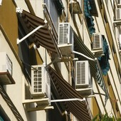¿CUÁLES SON LAS CIUDADES ESPAÑOLAS CON MÁS VIVIENDAS CON AIRE ACONDICIONADO? En España, una de cada tres viviendas tiene sistema de refrigeración  Sevilla y Córdoba son las capitales donde más domicilios cuentan con estos sistemas .  https://rb.gy/r0ioir
